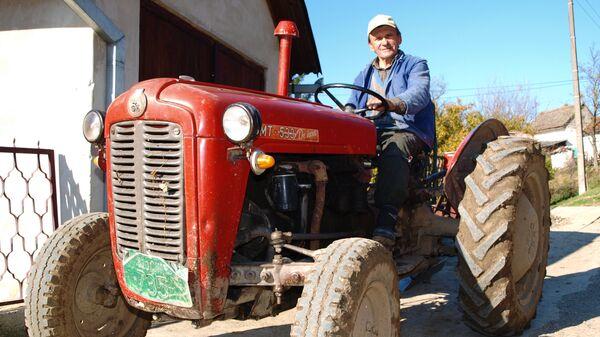 Prva serija IMT-ovih traktora - Sputnik Srbija