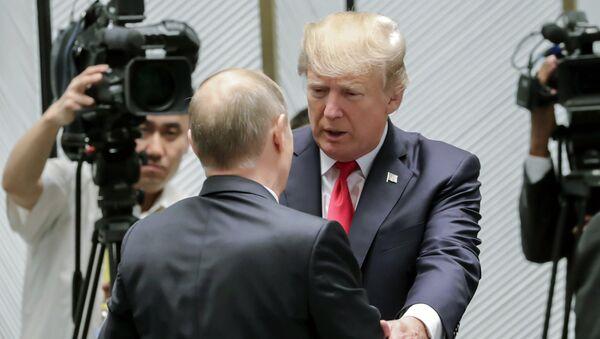 Donald Tramp i Vladimir Putin - Sputnik Srbija