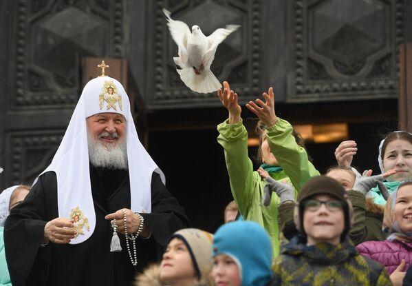 Патријарх Кирил након службе у Храму Христа Спаситеља у Москви - Sputnik Србија