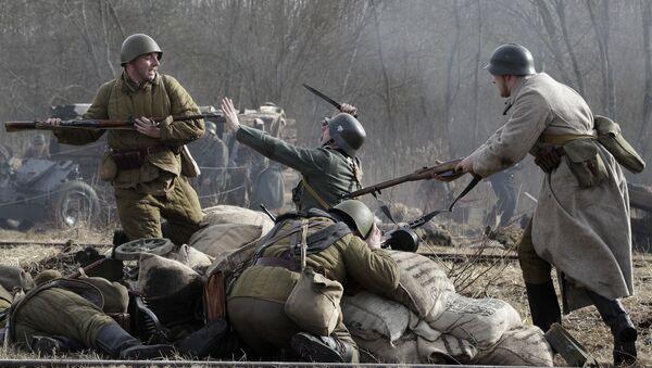 Rekonstrukcija bitke između sovjetskih vojnika i Nemaca u Drugom svetskom ratu - Sputnik Srbija
