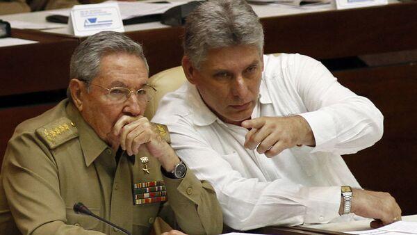 Раул Кастро и Мигуел Дијас Кастро - Sputnik Србија