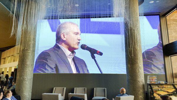 Премијер Крима Сергеј Аксјонов на Четрвтом међународном економском форуму на Јалти - Sputnik Србија