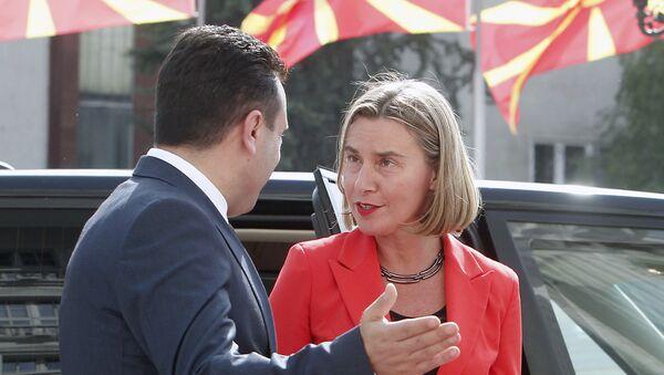 Зоран Заев и Федерика Могерини - Sputnik Србија