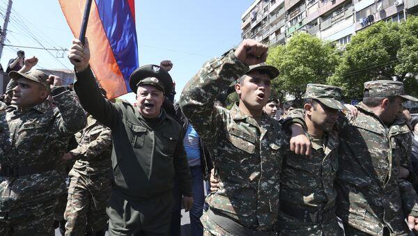 Протести у Јерменији против премијера Сержа Саргсјана 23.04.2018 - Sputnik Србија