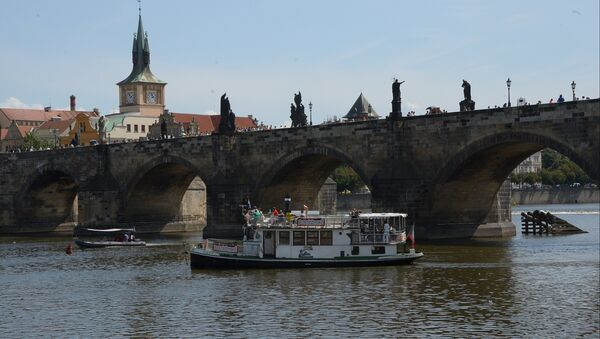 Karlov most preko reke Vltave u Pragu - Sputnik Srbija