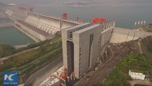 """Impozantna kineska hidroelektrana """"Tri klanca"""", jedna je od najvećih u svetu. - Sputnik Srbija"""