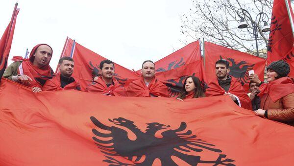 Albanici sa zastava - Sputnik Srbija