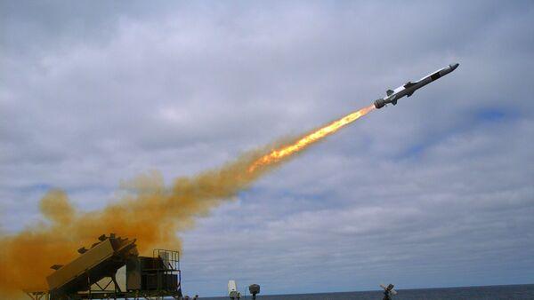 Амерички обалски ратни брод Коронадо испаљује Консберг поморске ударне ракете НСМ - Sputnik Србија