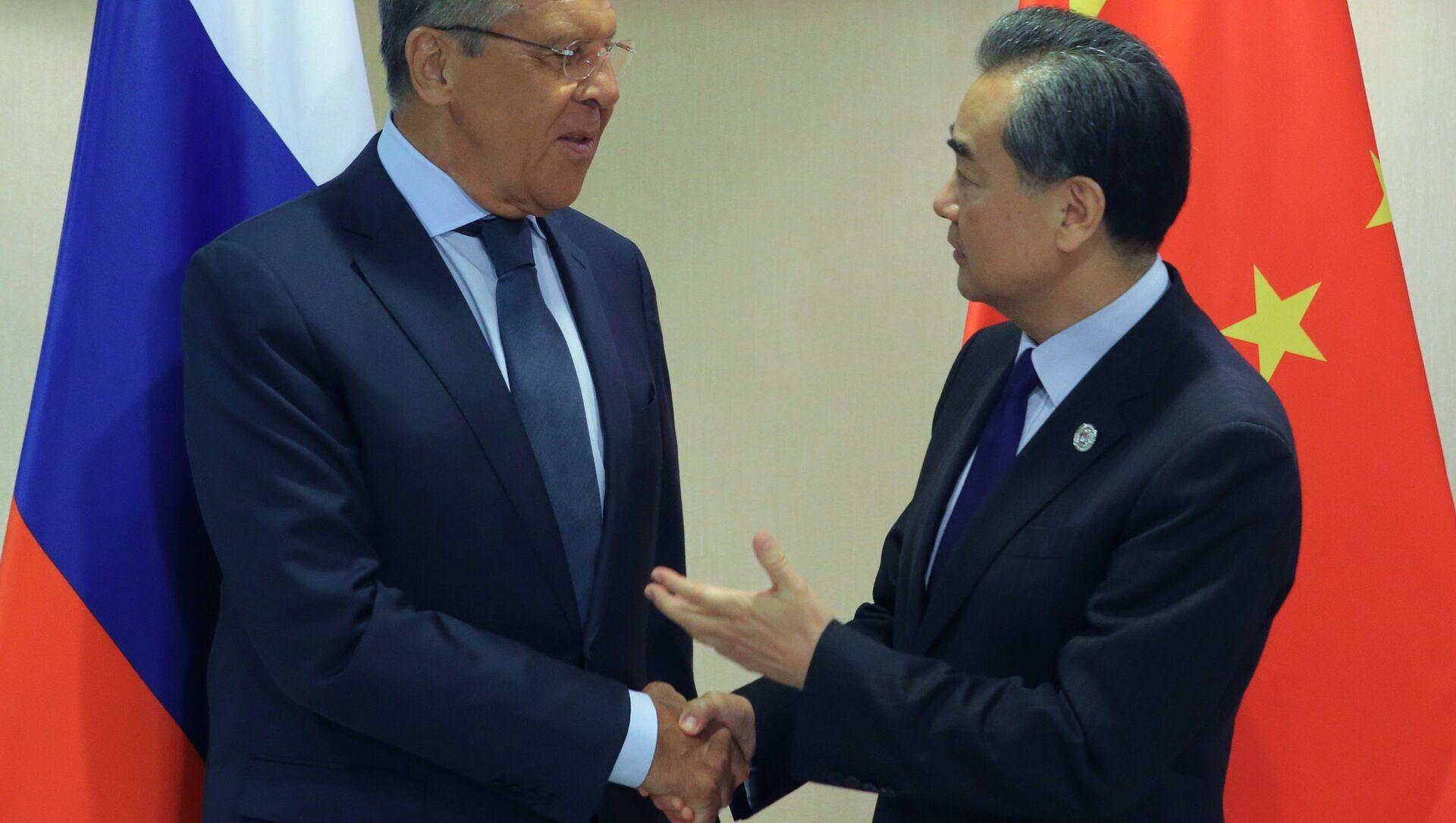 Ministri spoljnih poslova Rusije i Kine, Sergej Lavrov i Vang Ji - Sputnik Srbija, 1920, 04.02.2021