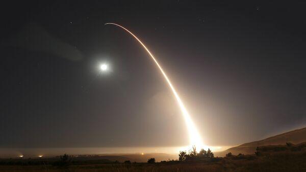 САД тестирају нуклеарно оружје - Sputnik Србија