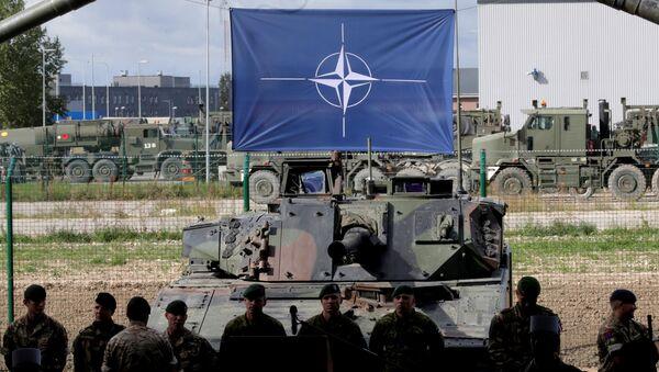 Припадници НАТО снага у војној бази у Естонији - Sputnik Србија