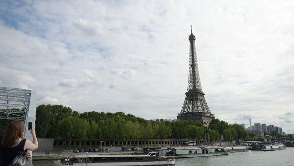 Ajfelova kula u Parizu - Sputnik Srbija