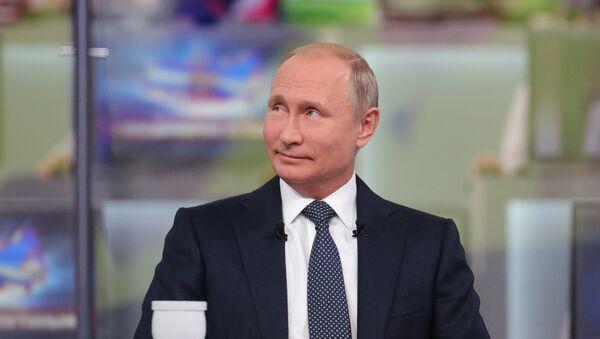 """Direktna linija"""" sa predsednikom Rusije Vladimirom Putinom - Sputnik Srbija"""