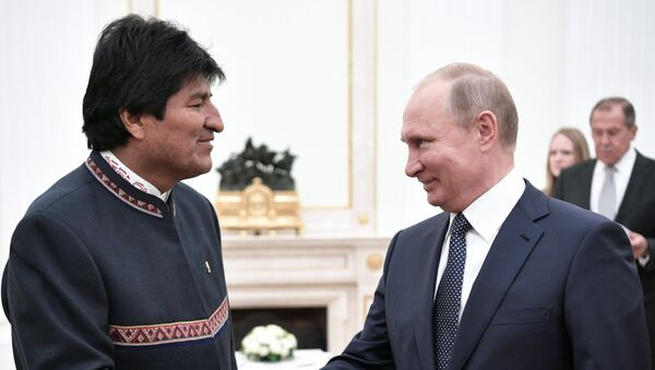 Руски председник Владимир Путин и председник Боливије Ево Моралес - Sputnik Србија