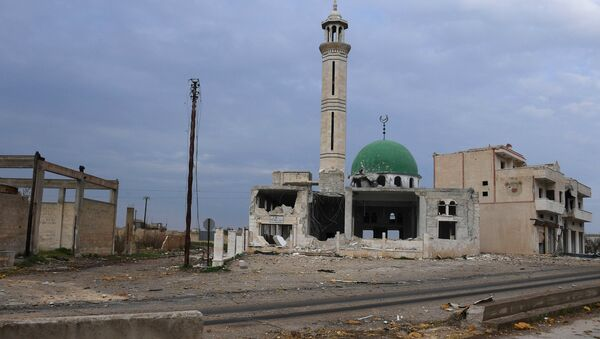 Uništena džamija u predgrađu sirijskog grada Hama - Sputnik Srbija
