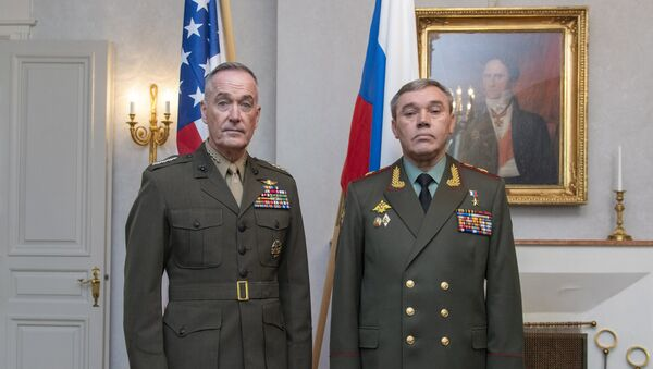 Američki general Džozef Danford i ruski general Valerij Gerasimov na sastanku u Finskoj - Sputnik Srbija