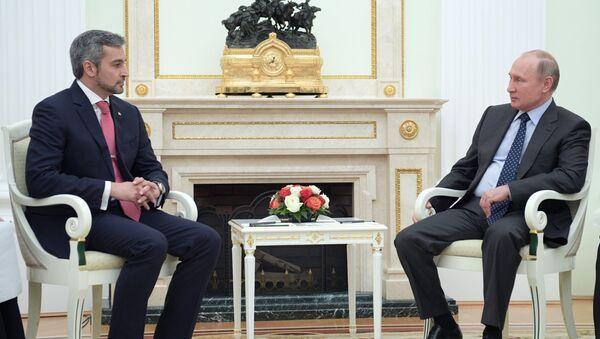 Predsednik Rusije Vladimir Putin i predsednik Paragvaja Mario Abdo Benites - Sputnik Srbija