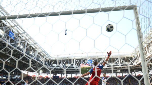 Гол Агвера у мечу против Исланда - Sputnik Србија