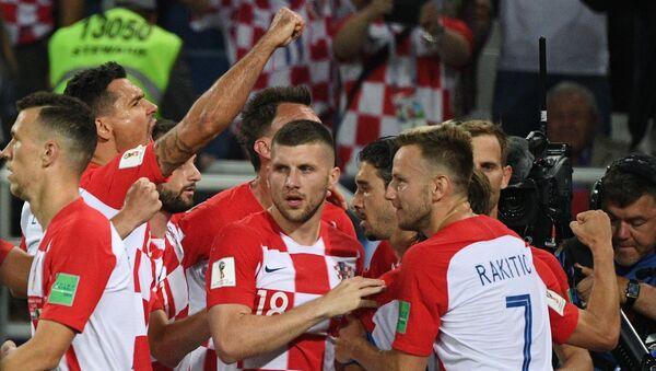 Хрватски фудбалери славе победу - Sputnik Србија