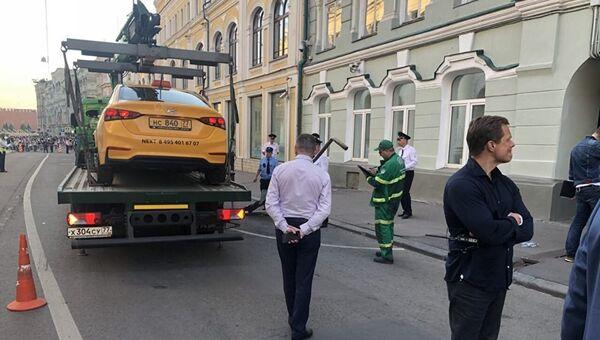 Uviđaj na mestu saobraćajne nesreće u Moskvi - Sputnik Srbija
