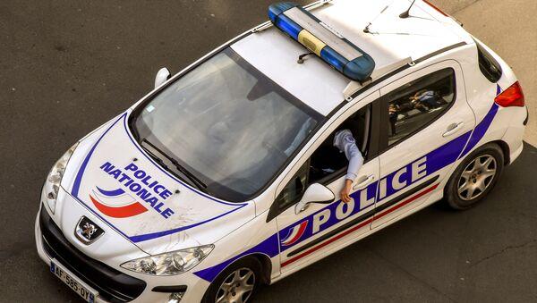 Француска полиција патролира улицама. - Sputnik Србија