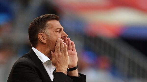 Trener Srbije Mladen Krstajić na meču s Kostarikom - Sputnik Srbija