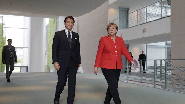 Nemačka kancelarka Angela Merkel i italijanski premijer Đuzepe Konte - Sputnik Srbija