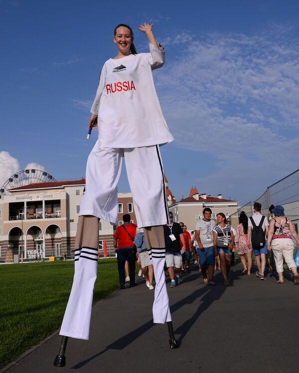 """Od """"napumpanih"""" ljudi do Supermena: Karneval širom Rusije - Sputnik Srbija"""