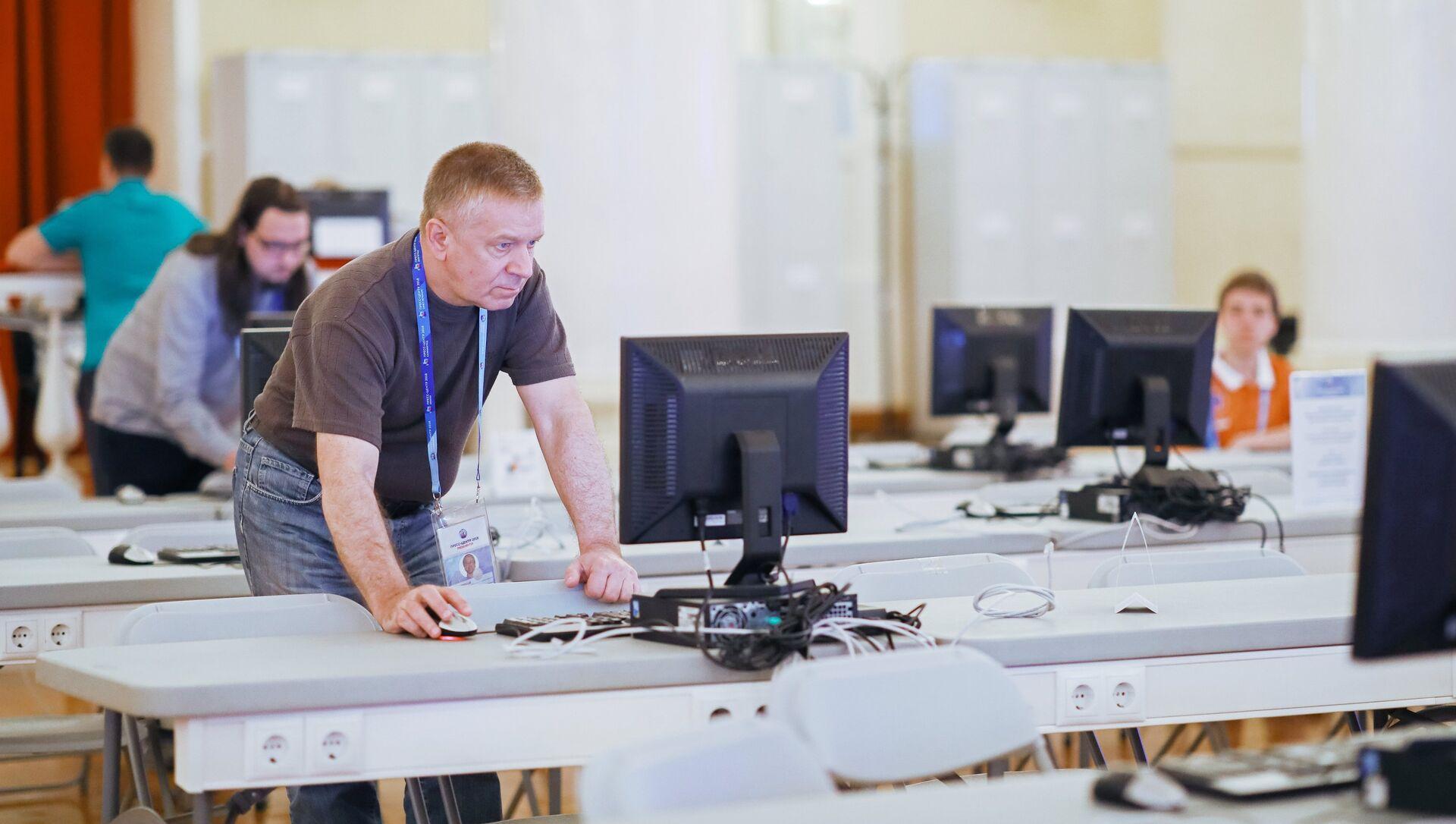 Zaposleni u IT kompanijama najčešće rade na lizing - Sputnik Srbija, 1920, 02.02.2021