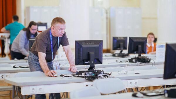 Компјутери у прес-центру у Москви - Sputnik Србија
