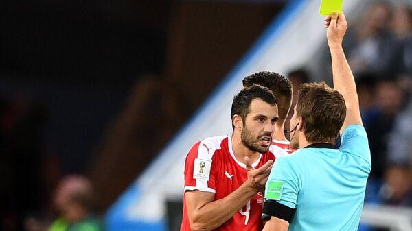 Лука Миливојевић добија жути картон на мечу против Швајцарске - Sputnik Србија