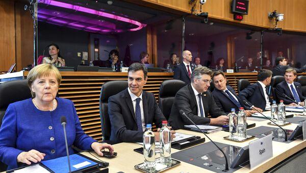 Немачка канцеларка Ангела Меркел на самиту ЕУ о миграцијама - Sputnik Србија