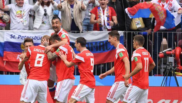 Fudbaleri Rusije na meču protiv Saudijske Arabije - Sputnik Srbija
