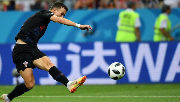 Иван Перишић постиже победоносни гол за Хрватску у мечу трећег кола групе Д против Исланда - Sputnik Србија