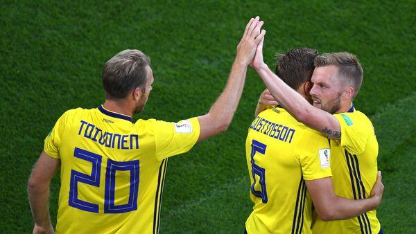 Швеђани прослављају гол против Мексика - Sputnik Србија