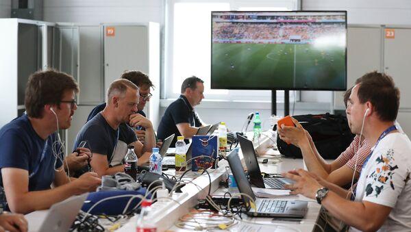 Новинари у прес-центру у Калинињграду на Светском првенству у фудбалу - Sputnik Србија