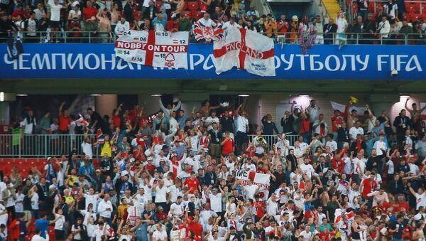 Navijači reprezentacije Engleske raduju se pobedi Engleske na utakmici osmine finala Svetskog prvenstva u fudbalu između Engleske i Kolumbije - Sputnik Srbija