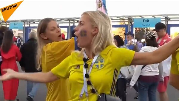 Navijačica Švedske posle pobede nad Švajcarskom - Sputnik Srbija
