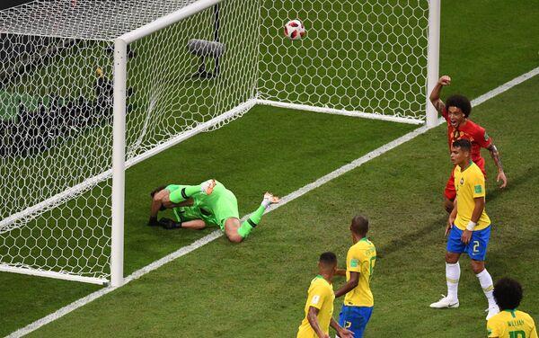 Trentak kada lopta završava iza leđa golmana Alisona - Sputnik Srbija