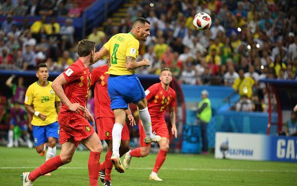 Avgusto postiže gol za nadu Brazila - Sputnik Srbija