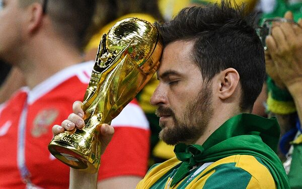 Razočarani navijač Brazila nakon poraza od Belgije - Sputnik Srbija