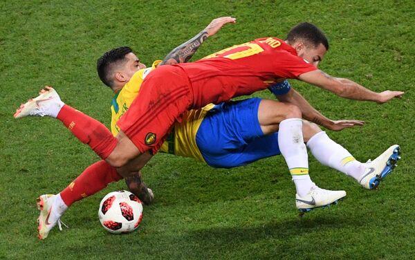 Duel Fagnera i edena Azara na utakmici Brazil - Belgija - Sputnik Srbija