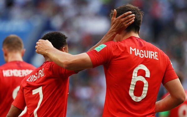 Reprezentativci Engleske Džesi Lingard i Hari Magvajer proslavljaju gol - Sputnik Srbija