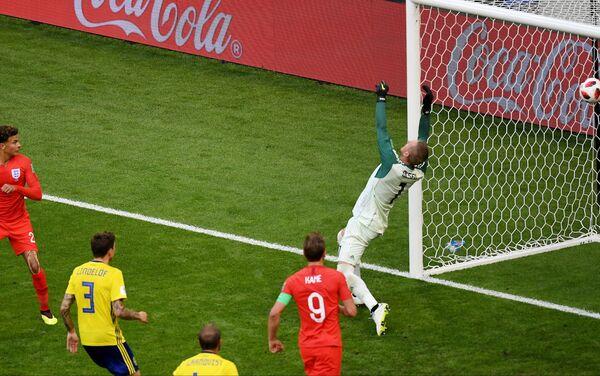 Trenutak kada  Dele Ali postiže drugi gol za Engleze - Sputnik Srbija