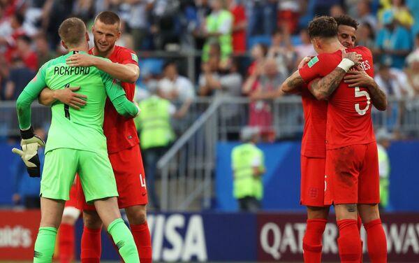 Reprezentativci Engleske proslavljaju pobedu nad Švedskom i plasman u polufinale - Sputnik Srbija