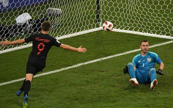 Andrej Kramarić postiže gol za izjednačenje u četvrtfinalnoj utakmici između Rusije i Hrvatske - Sputnik Srbija
