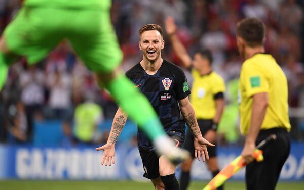 Ivan Rakitić proslavlja gol iz penala za pobedu nad Rusijom i plasman u polufinale - Sputnik Srbija