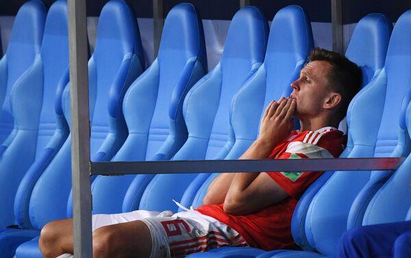 Strelac prvog gola za Rusiju Denis Čerišev razočaran posle penal-završnice i poraza njegove ekipe u četvrtfinalu - Sputnik Srbija