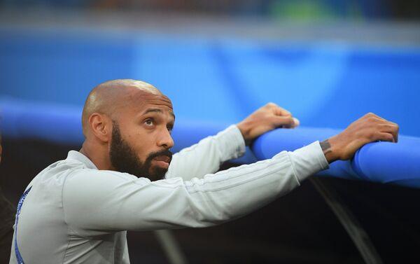 Nekadašnji francuski reprezentativac, a sada pomoćni trener ekipe Belgije Tijeri Anri - Sputnik Srbija