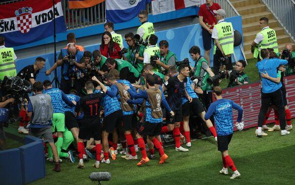 Hrvati proslavljaju gol u drugom produžetku protiv Engleske - Sputnik Srbija